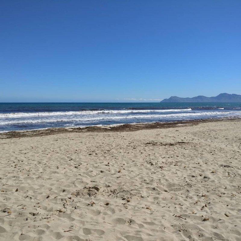 Es gibt nichts zu verbessern nichts was noch besser wär außer Dir im Jetzt und Hier und dem Tag am Meer.